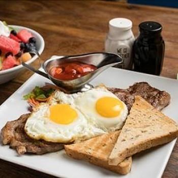 Breakfast - lunch - dinner